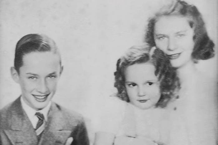 Young Paul Greengard with sisters