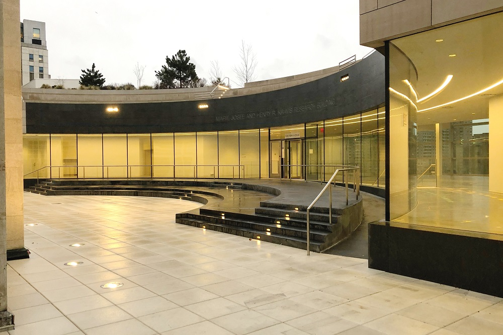 Main entrance of the Marie-Josée and Henry R. Kravis Research Building, part of the new SNF-DR River Campus