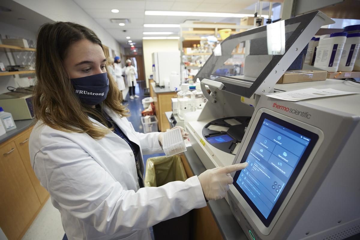 Teresa Rozza of Rockefeller's Clinical Genomics Lab runs COVID saliva tests for the whole university community. (Matthew Septimus)